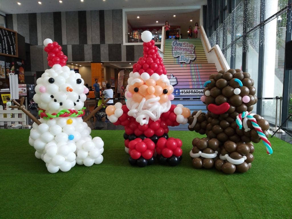 Christmas Theme Balloon Mascots at Toa Payoh Safra