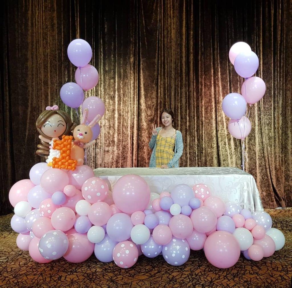 Low Organic Balloon Backdrop