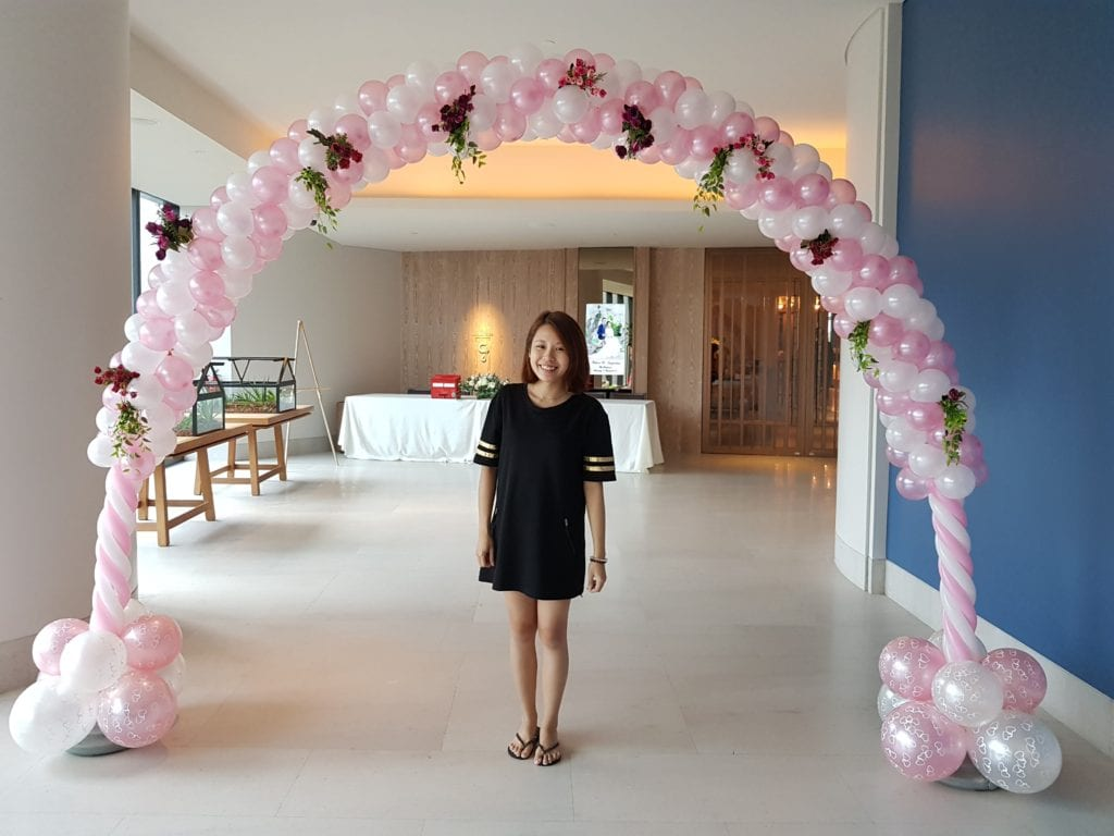 Grand White Wedding Balloon Arch With Roses