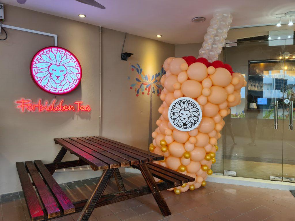 Big Bubble Tea Balloon Sculpture for A Bubble Tea Store Opening